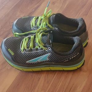 ALTRA OLYMPUS ZERO DROP athletic shoe